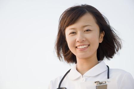 パートとして働く看護師の収入や役割について